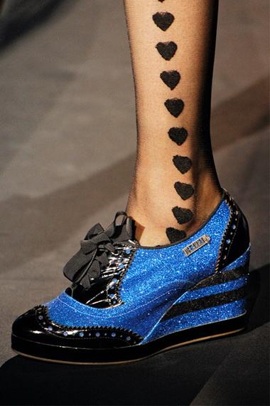 Кроссовки на каблуках