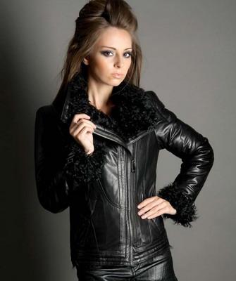 fa07adb94872 Разновидность кожаных курток очень большая, то есть существуют модели как  для теплых и дождливых времен года, так и для сильно морозных и снежных.