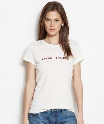 42bb8736815f1 Но на волне популярности футболок для девушек в 2019 году не стоит забывать  «о корнях». А именно о моделях, предназначенных для занятий спортом – зал  или ...
