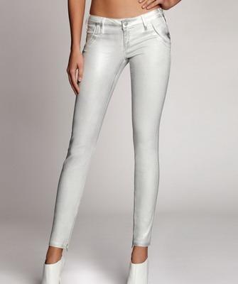 Светлые джинсы