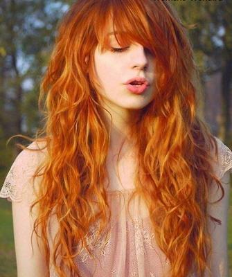 Слегка рыжие волосы