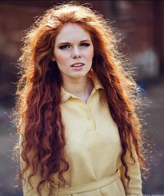 Рыжие волнистые волосы стрижки