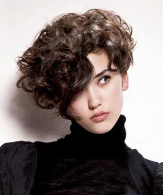 Кучерявые причёски на средние волосы