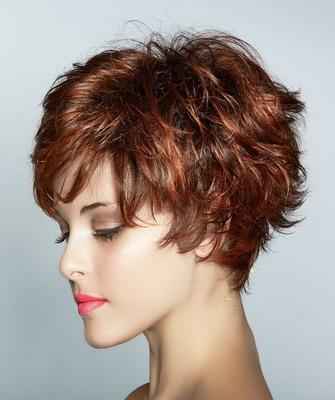 Фото стрижка на короткие волнистые волосы