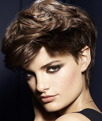 Прически на короткие вьющиеся волосы