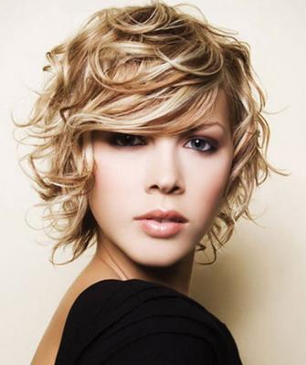 Каре на вьющиеся волосы средней длины