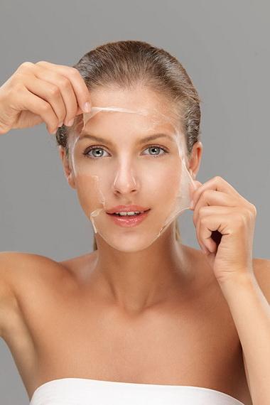 Смесь не проникает в кожу От повреждений окружающей среды в волосы и самозащиты ослабевают!
