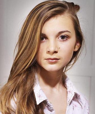 Прическа для подростка девочки на длинные волосы