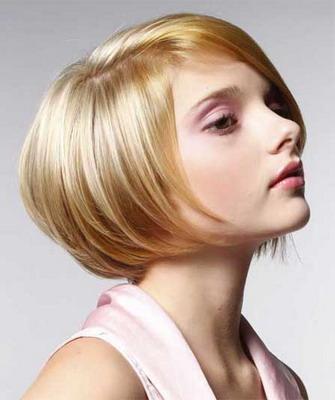 прически на средние волосы каре фото