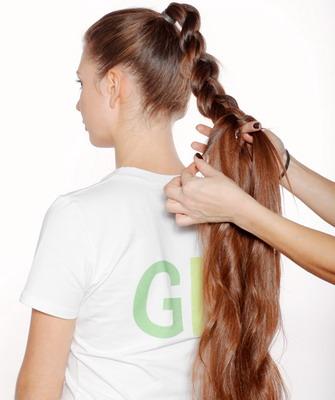 Прически с применением накладка из натуральных волос и шиньонов