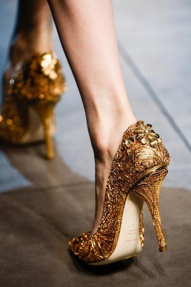 5d4971affbd2 Вечерние женские туфли подбирают с особой тщательностью, ведь они способны  украсить даже наряд самого простого фасона. Выбирая подходящую модель ...