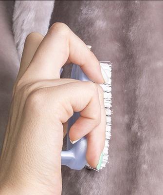 Чистка шубы в домашних условиях и видео, как почистить норковую, мутоновую, каракулевую и цигейковую шубу