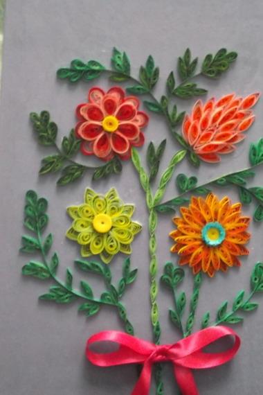 Изображение поляны цветов