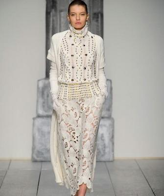 Laura Biagiotti – тоже дорогой бренд итальянской одежды, который  специализируется исключительно на «комфортных моделях». Предметы гардероба  от этого ... bc4ac893de1