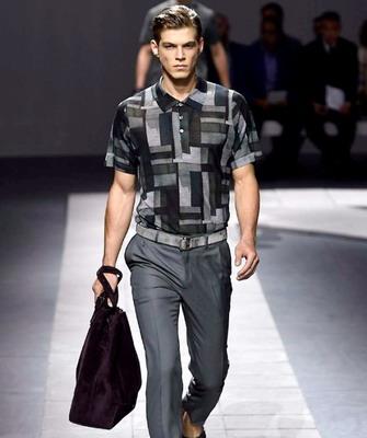 Brioni (Бриони) – самый престижный и дорогой бренд итальянской одежды для  мужчин. Он был основан в 1945 году в Риме известным портным Назарено  Фонтиколи, ... d9c85da9d7a