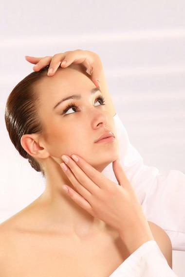 Как можно быстро избавиться от жировиков на лице: фото, видео, лечение жировиков