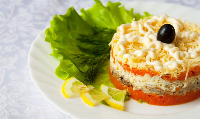 рецепт салата кальмары фасоль яйцо