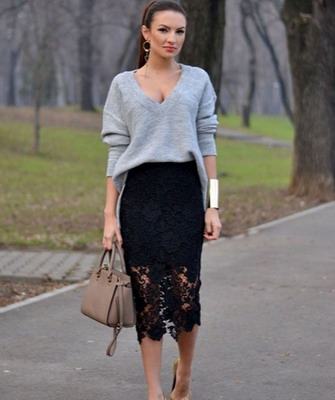 С чем носить серую вязаную юбку