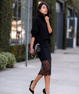 С чем носить юбки в тонкую полоску