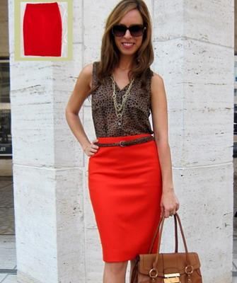 Красная юбка карандаш осень