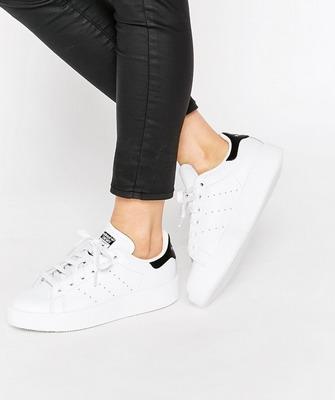 61c4240e7236 Какие женские кроссовки самые модные в 2019 году и фото стильных моделей
