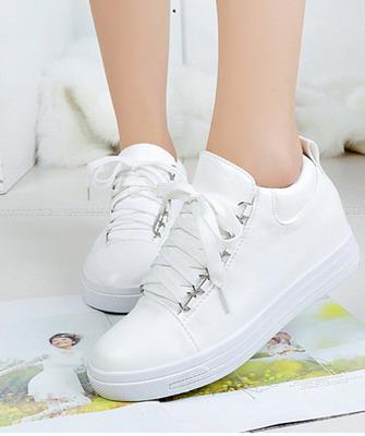 4dc8be04 Общие тенденции на самые модные модели кроссовок в 2019 году читаются  довольно откровенно. В первую очередь, это использование красивых и  преимущественно ...