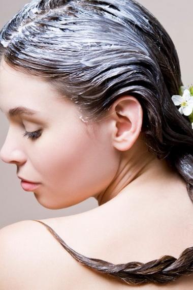 Как увлажнить сухие волосы в домашних условиях?