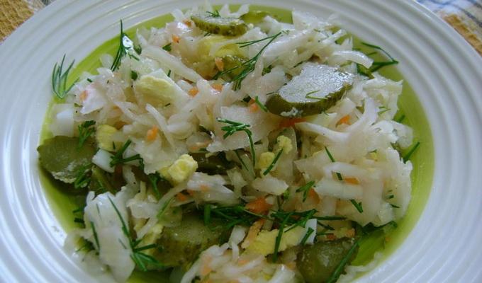 Салат с капустой картошкой и яйцом