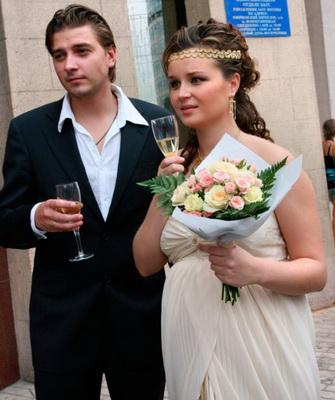 Полина Гагарина действительно беременна: появилось ...