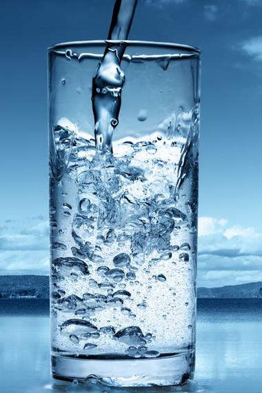Какую воду пить для похудения: можно ли кипяченую, лучше с газом или без, какую нужно принимать, чтобы похудеть?
